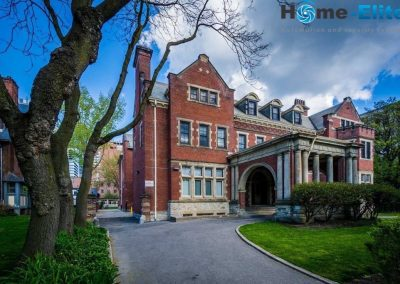 The_Regis_College_Library_at_the_University_of_Toronto_in_Toronto_Ontario.-12